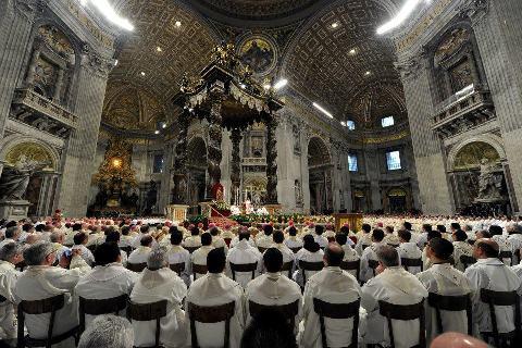 священики у Ватикані