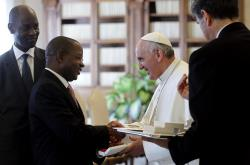Прем'єр Мозамбіку побував у Папи