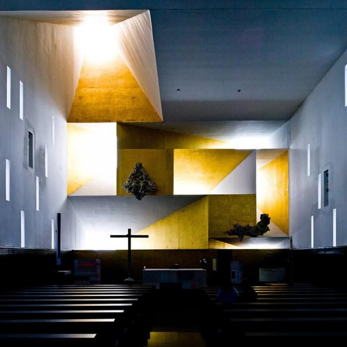 Церква Санта Моніка