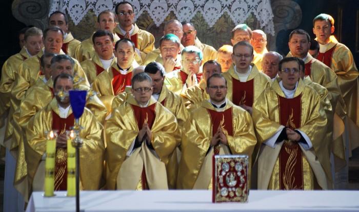 меса священики
