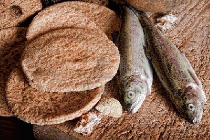 хліб і риба