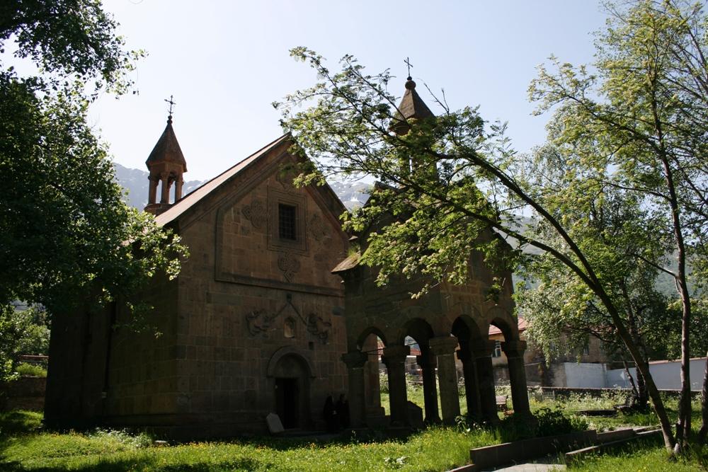 церква в Казбегі