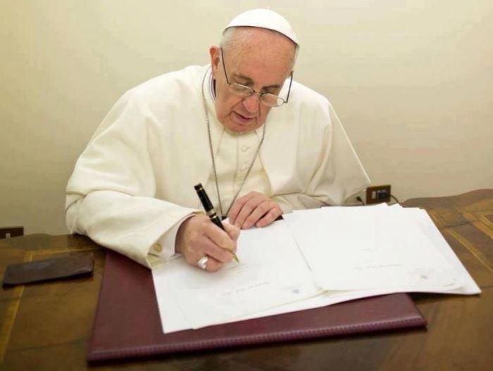 Папа Франциск документ