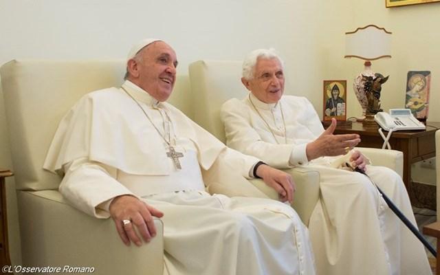Папа Франциск зустрівся з Папою Бенедиктом XVI