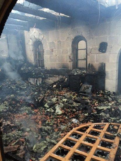Близько трьох годин пожежники ліквідовували пожежу.