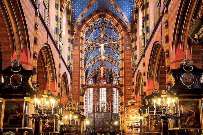 Базиліка Внебовзяття Пресвятої Богородиці (Краків, Польща)