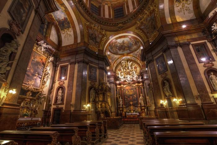 Храм св. Франциска Ассизького (Прага, Чехія)