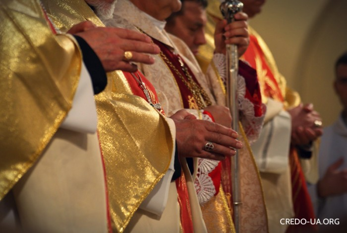 єпископи