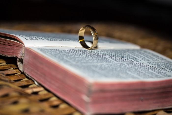 біблія подружжя