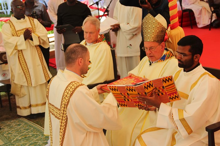 єзуїти Найробі свячення