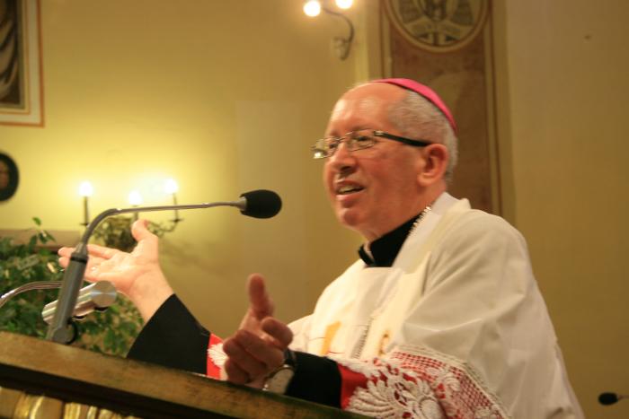 єпископ Нємєц