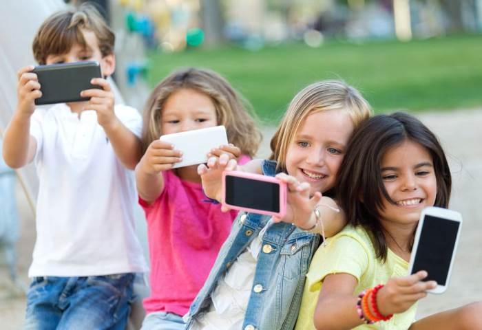 діти телефони