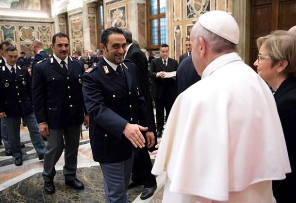Папа і ароіція