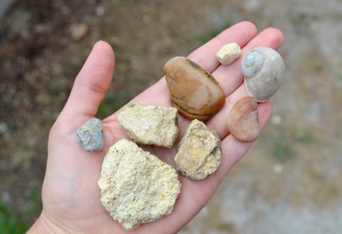 рука каміння