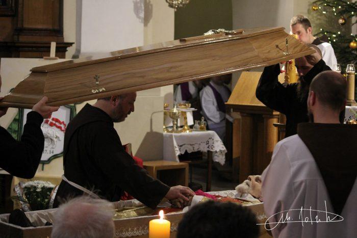 Єпископа Станіслава Падевського поховали у Польщі