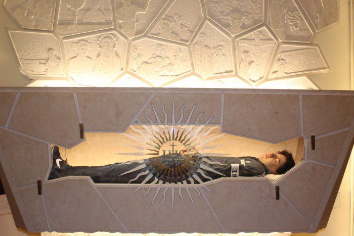 Чи залишилось нетлінним тіло Карло Акутіса, і чому він у джинсах?   CREDO
